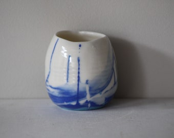 Small bicolour translucent porcelain candle holder in white and blue no 3