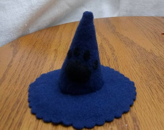Whimsy Witch Hat Pin Cushion by Anna Worden