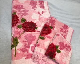 Vintage Cannon pink floral bath towel set, vintage bathroom bath towel, retro pink red bath towel, hand towel, wash cloth