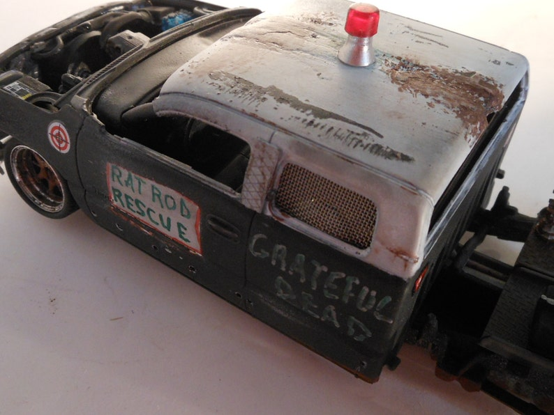 Classicwrecks Scale Model Rat Rod Truck Black PickupChevy image 0