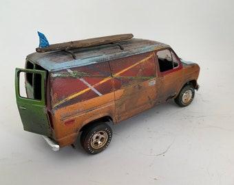 124 scalemodel, ford van, Classicwrecks, junkermodel, ratrod, ooak, surfboard, surf taxi, ford econoline.