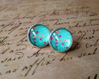 20% OFF -- Flirting -- plant flora stud earring ,Beautiful gift for her