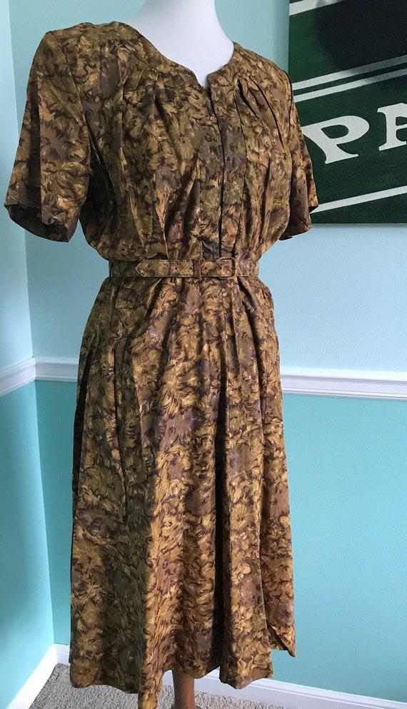 Elegant Mode O' Day Dress