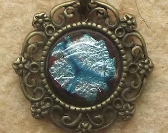 """Collection baroque"" pendant, sky blue enamel"