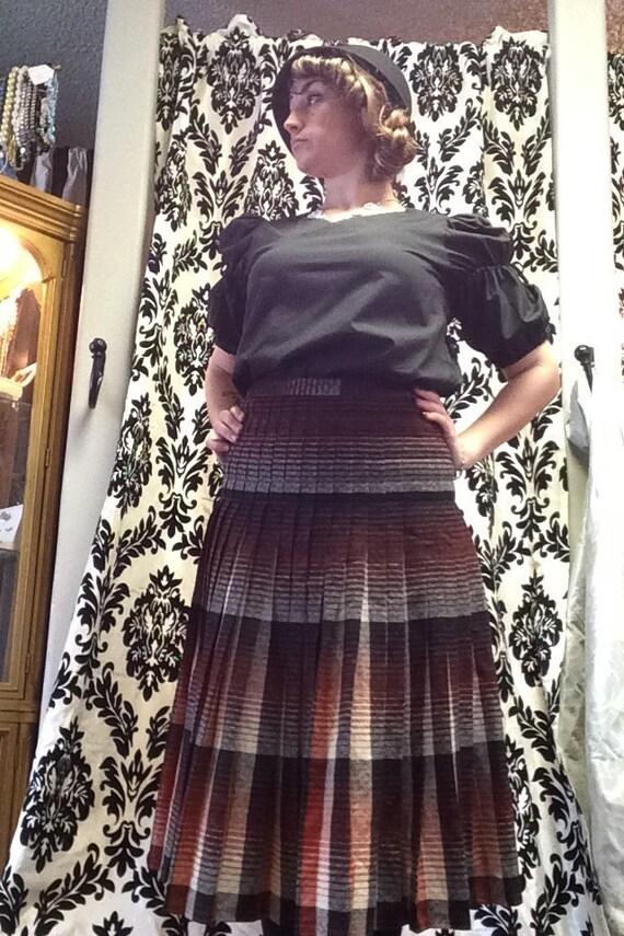 Fabulous 1940's Pleated Skirt