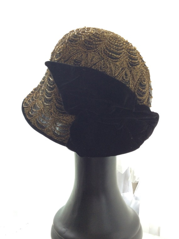 FEMME FATALE 1920s SPIDERWEB beaded hat