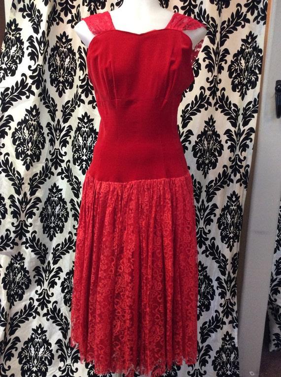 Stunning Sleeveless Red Velvet Lace Dress