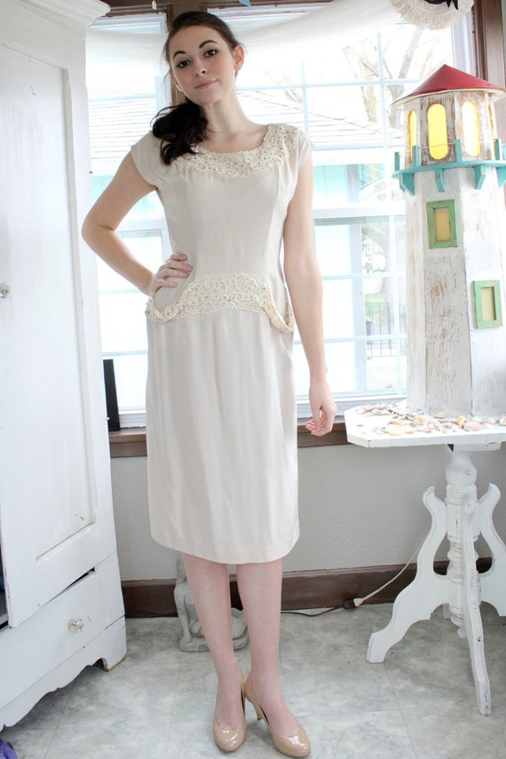 A Mademoiselle Juliette 1950's Cream Dress With La