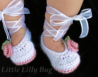 Crocheted Ballet Baby Booties in White and Dusty Rose Pink, Baby Shoes, Crochet Baby Slippers, sizes 0-3 months, 3-6 m, 6-12 months