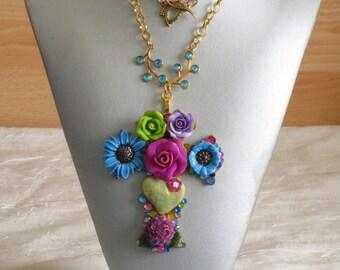 """RESERVE - Collier pendentif """"série de croix fleuries 5"""""""