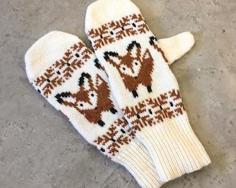 Fox Gloves Wool Fox Mittens Lambs Wool Fox Motif Fox Mittens Knitted Fox Womens Mittens Fox Mittens Red Mittens Fox Gloves Wool Gloves
