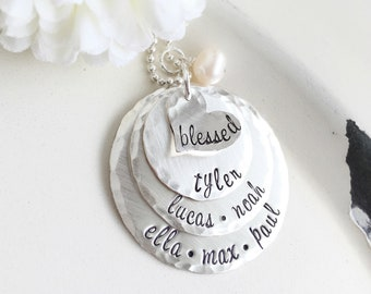 Personalized Mother Necklace . Personalized Jewelry . Mothers Day Gift . Mom Jewelry . Stamped Jewelry . Custom Jewelry