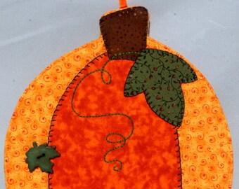Pumpkin Harvest Mug Rug - One Leaf