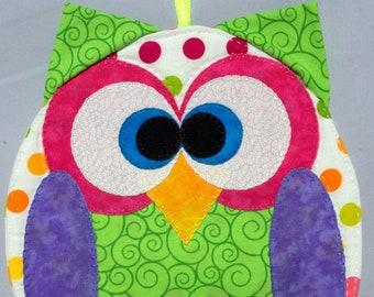 Horned Owl Mug Rug - Green Swirls