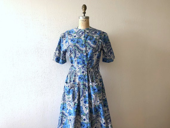 1940s house dress . vintage 40s cotton dressing go