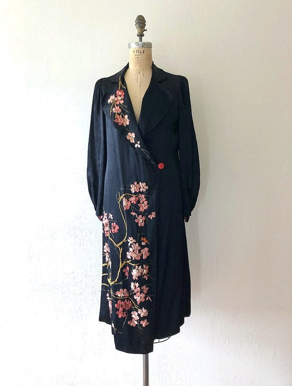 Vintage 30s Peach Silk Embroidered Robe Dressing Gown Kimono 1930s 1920s Lingerie