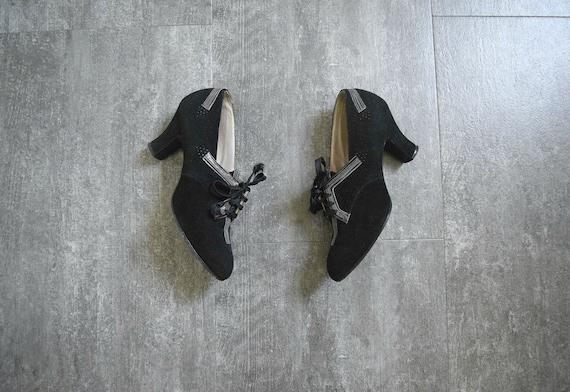 1930s 1940s shoes . black suede lace up heels