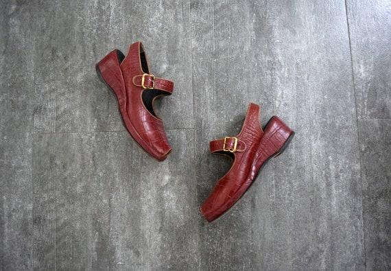 1940s 1950s shoes . vintage wedge sandals - image 1