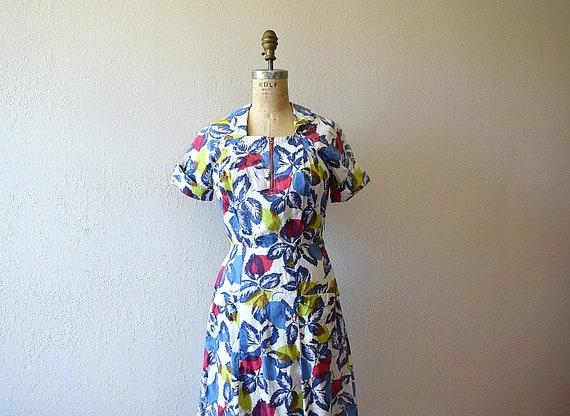 Vintage 1940s dress . 40s leaf print dress