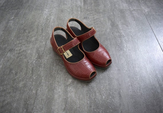 1940s 1950s shoes . vintage wedge sandals - image 3
