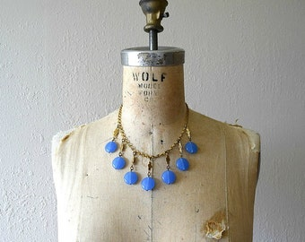 1930s 1940s necklace . 30s 40s blue glass necklace