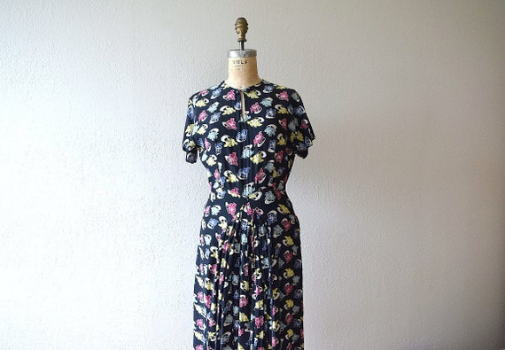 1940s novelty print dress . vintage 40s rayon dres