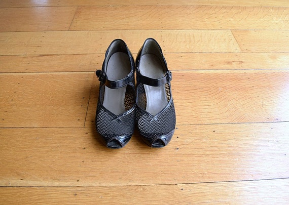 1940s Mary Jane shoes . vintage 40s shoes - image 2