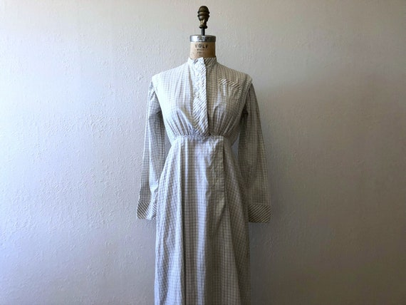Antique cotton print dress . vintage work dress