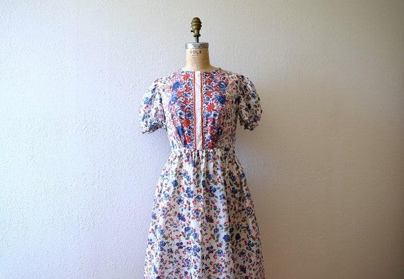 Late 1930s border print dress . vintage 30s puff s