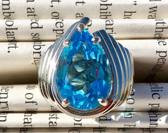 Retro Blue Topaz and 18K  White & Gold Plated Statement Ring - Size 8.8