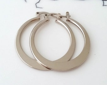 Silver hoop earrings,Silver earrings,Hoop earrings,Medium silver hoop earring,Modern hoop earring,Gift for her,Everyday hoop earrings,hoops