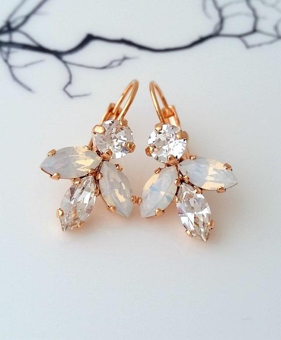 Opal earrings,White opal drop earrings,opal bridal earrings,Dangle earrings,white bridesmaid earrings,white wedding,october birthstone,Gold