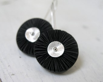 Black polymer clay disc earrings, texture, wavy, wheels, on sterling silver earwires, dangle earrings, industrial minimal earrings
