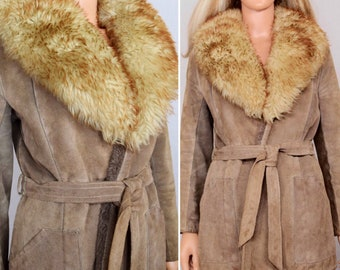 Vintage 1970's Women's Light Brown Suede Leather Huge SHEARLING TriMMeD Collar Wrap Style Jacket Coat M - Very boho hippie Chic Style
