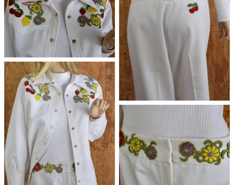 Vintage 1970's Women's Sir James 2 Pc Appliqued Fruit Flower Butterfly Cherry Strawberry Country Western Pant Leisure Suit Size L