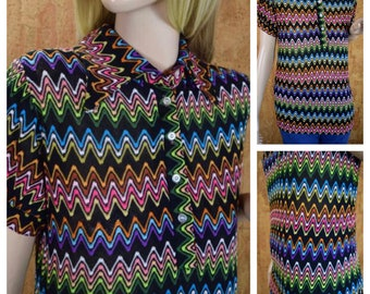 Vintage 1960's | 70's  Women's Zigzag Knit Rainbow Colorful Mod Hippie Boho Shirt Top Blouse Size M L