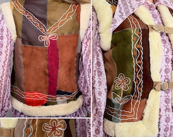 Vintage 1970's Women's Embroidered Flower Sheepskin Shearling Fur Hippie Boho Vest Gillet Size XS