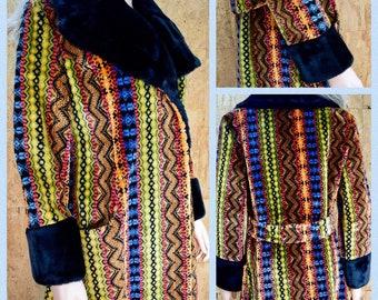 Vintage 1960's | 70's Women's Chenille Carpet Tapestry HiPPiE BoHo Coat Size L