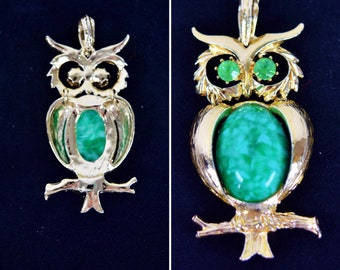 Vintage Owl Pendant for Necklace Green Rhinestone Textured Gold Tone Stone Jelly Belly Large 3""
