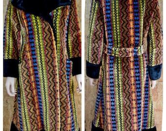 Vintage 1960's | 70's Women's Chenille Carpet Tapestry HiPPiE BoHo Coat L