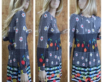 Vintage 1960's | 70's Young Innocent Rainbow Cherry Black & White Daisy Flower Tie Back Babydoll HiPPiE MOD Go-Go Women's MiNi Dress Size XS