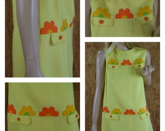 Vintage 1960's MOD Yellow Linen Appliqued Flower Power Daisy Go Go Women's Knee Length Mini Dress Size M