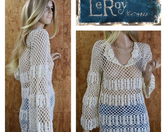 Vintage 1970's Women's LeRoy Knitwear Ivory Crocheted Knit Netted Bell Sleeved Rose Beach Cover-up Festival Hippie Boho Tunic Top Sweater