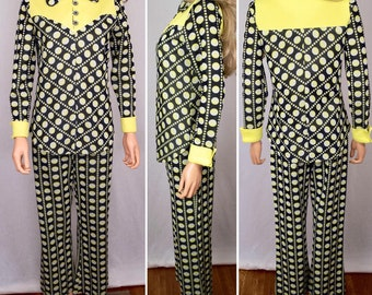 Vintage 1960's 70's Women's Love & Kisses 2 Piece MOD Polka Dot Pop Op Art Bell Bottom Pant Suit Size M