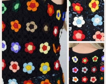 Vintage 1960's 70's Crocheted Rainbow Flower HiPPiE BoHo Woodstock Knit Shirt Vest Size S M