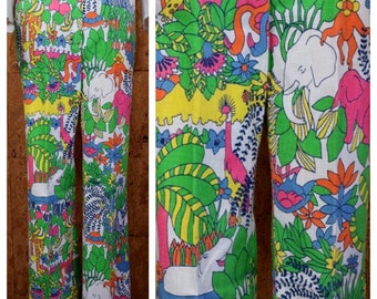 Vintage 1960's | 70's Psychedelic Cartoon Zoo Jungle Animals Zebra Elephant Turtle Hippo Hippie Novelty Golf Cotton Flared Pants Size M