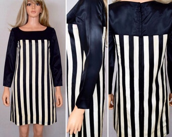 Vintage 1960's Women's Black & White STRIPED HiPPiE Go Go ULtrA MoD MiNi Party Dress Size S