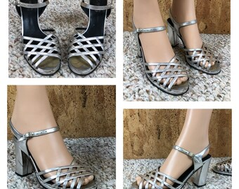 Sz 5.5 Vintage 1960's Women's Silver Leather LOW - Italy - Hippie Boho Mod Strappy Heels Sandals Shoes Size 5 1/2 EU 35