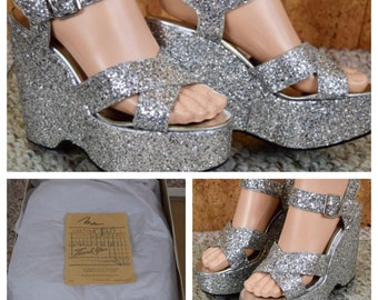 Sale - Sz 6.5 - Vintage 1970's MILES Silver Glitter Studio 54 Disco Queen SHOES Sparkly Hippie Boho HUGE Platform Sandals Size 6.5