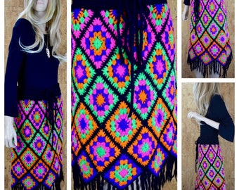 Vintage 1970's EMPRESS WOOL Psychedelic Neon Heavy KNIT Granny Square Crocheted Fringed HiPPiE BoHo Skirt Size M